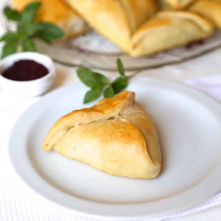 Fatayer Sabanekh are Middle Eastern Spinach stuffed pastry triangles...