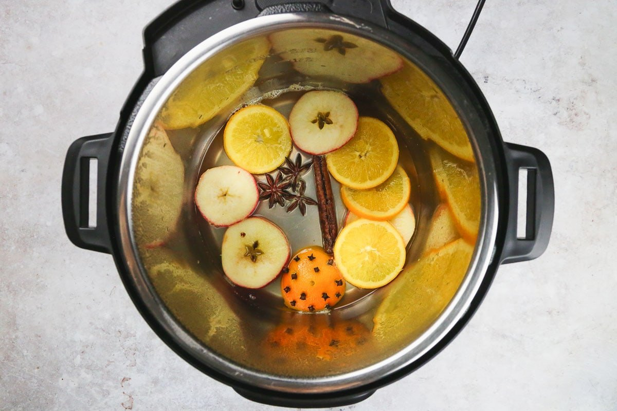 Added spices and fruits to make mulled wine in the instant pot