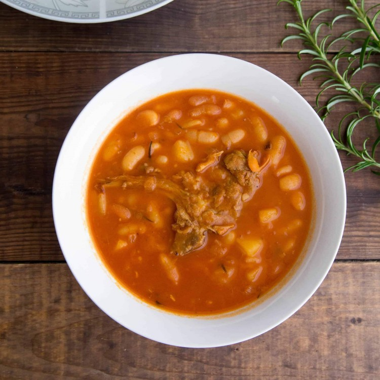 healthy Middle Eastern white beans meat tomato sauce white rice