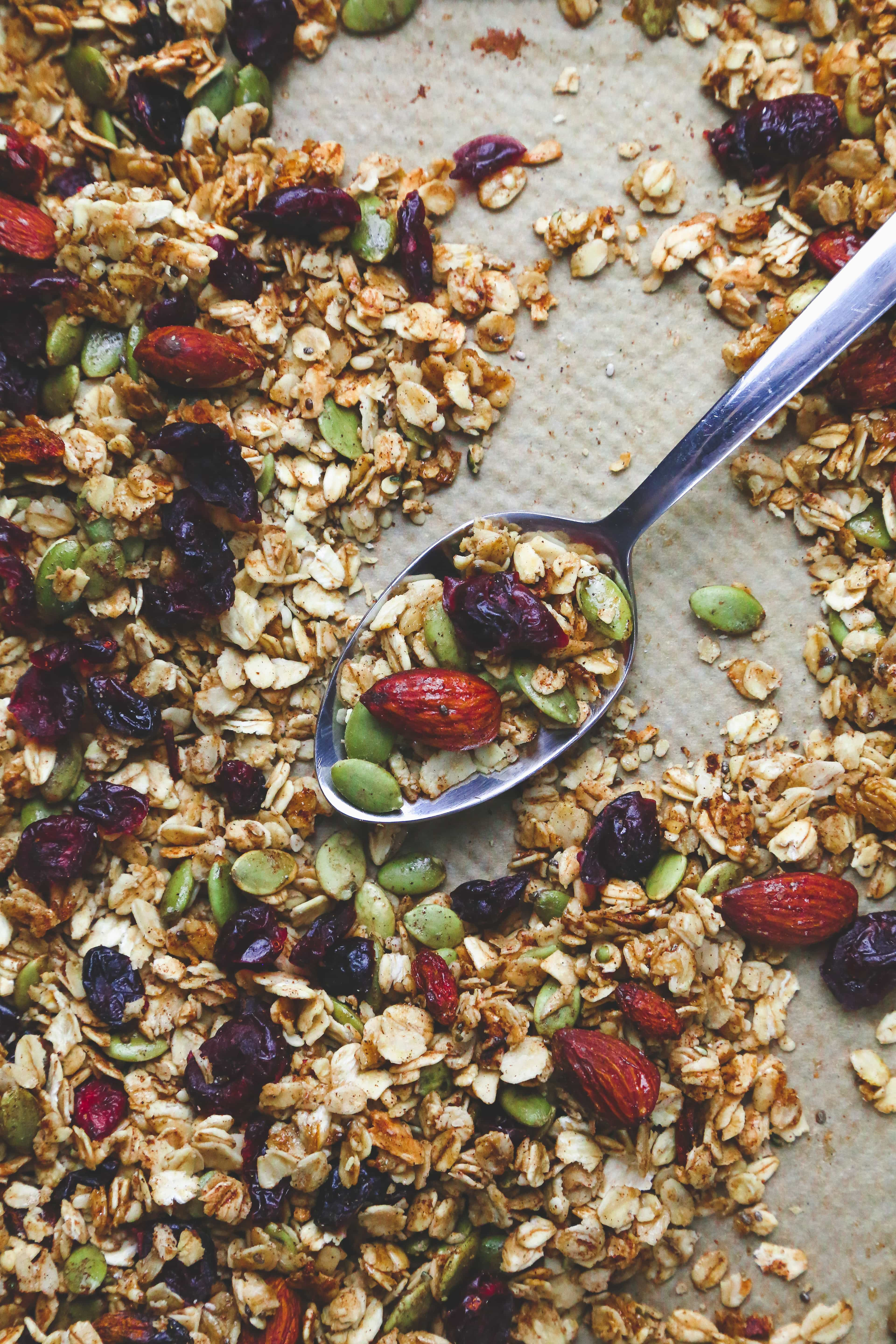 christmas vegan granola recipe