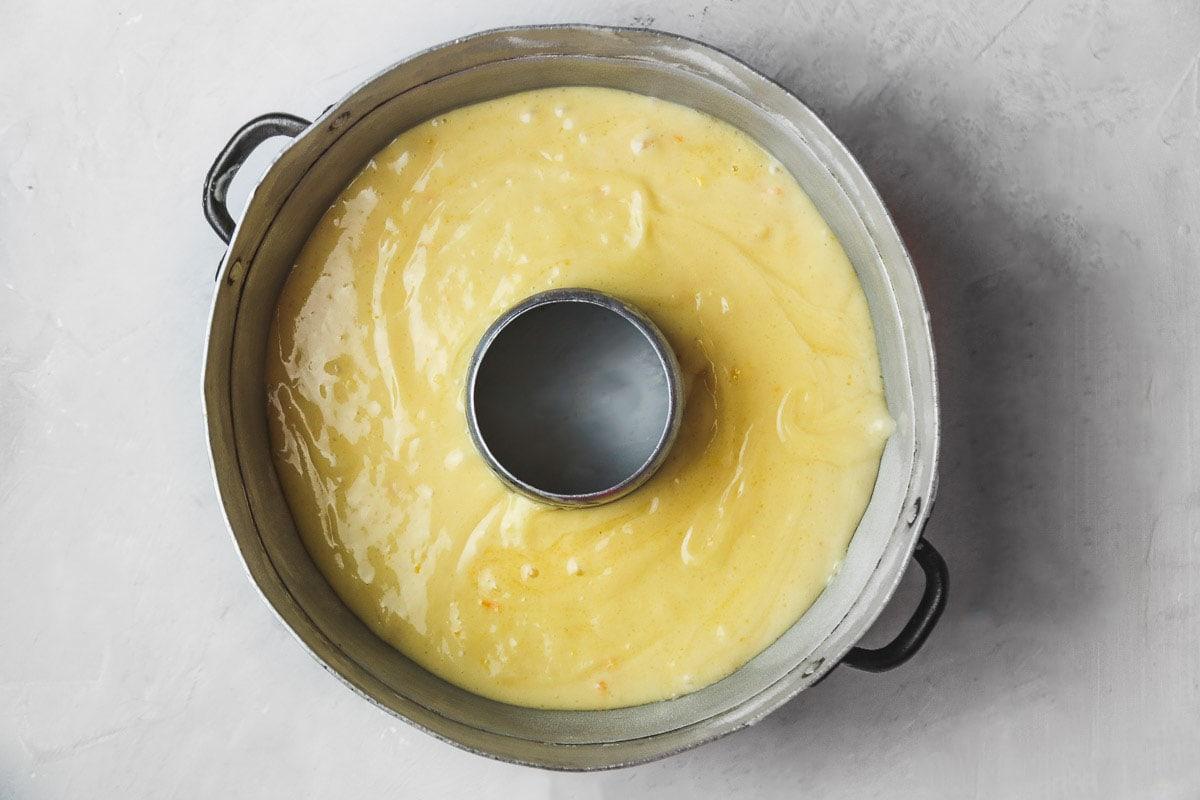 bundt cake pan with cake batter