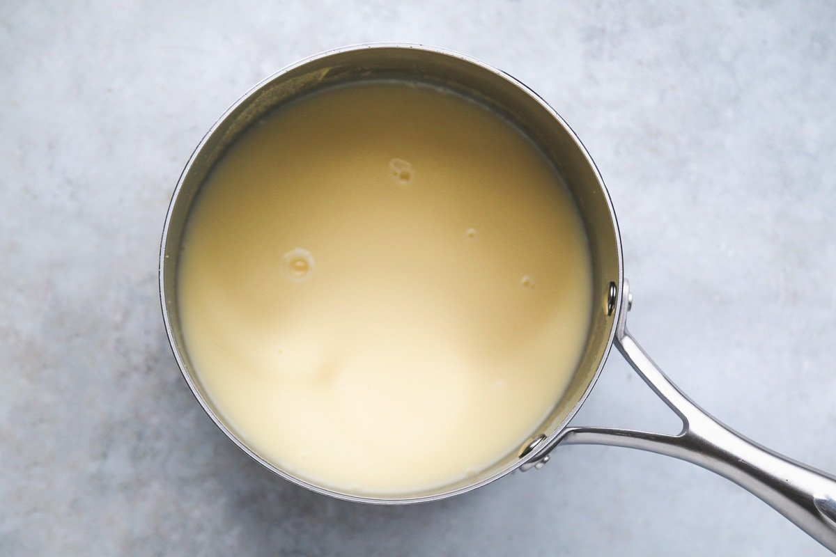 Cooking polenta in a pot