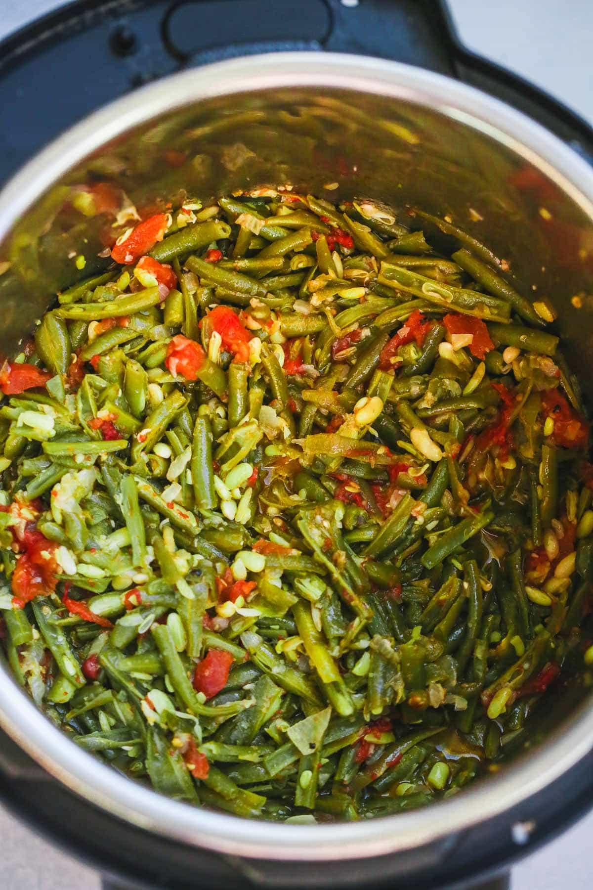 Fasolia Bi Zeit (Middle Eastern Green Beans)