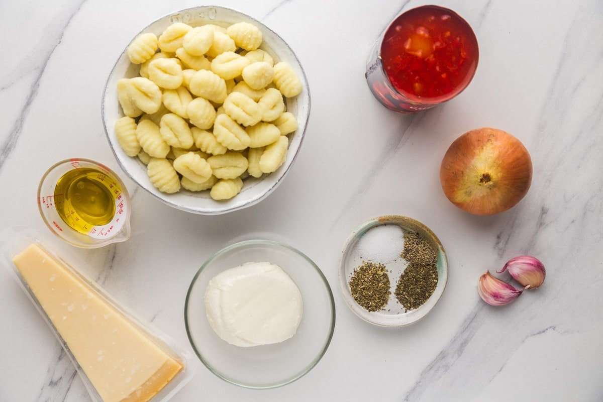 Ingredients needed to make gnocchi with tomato sauce