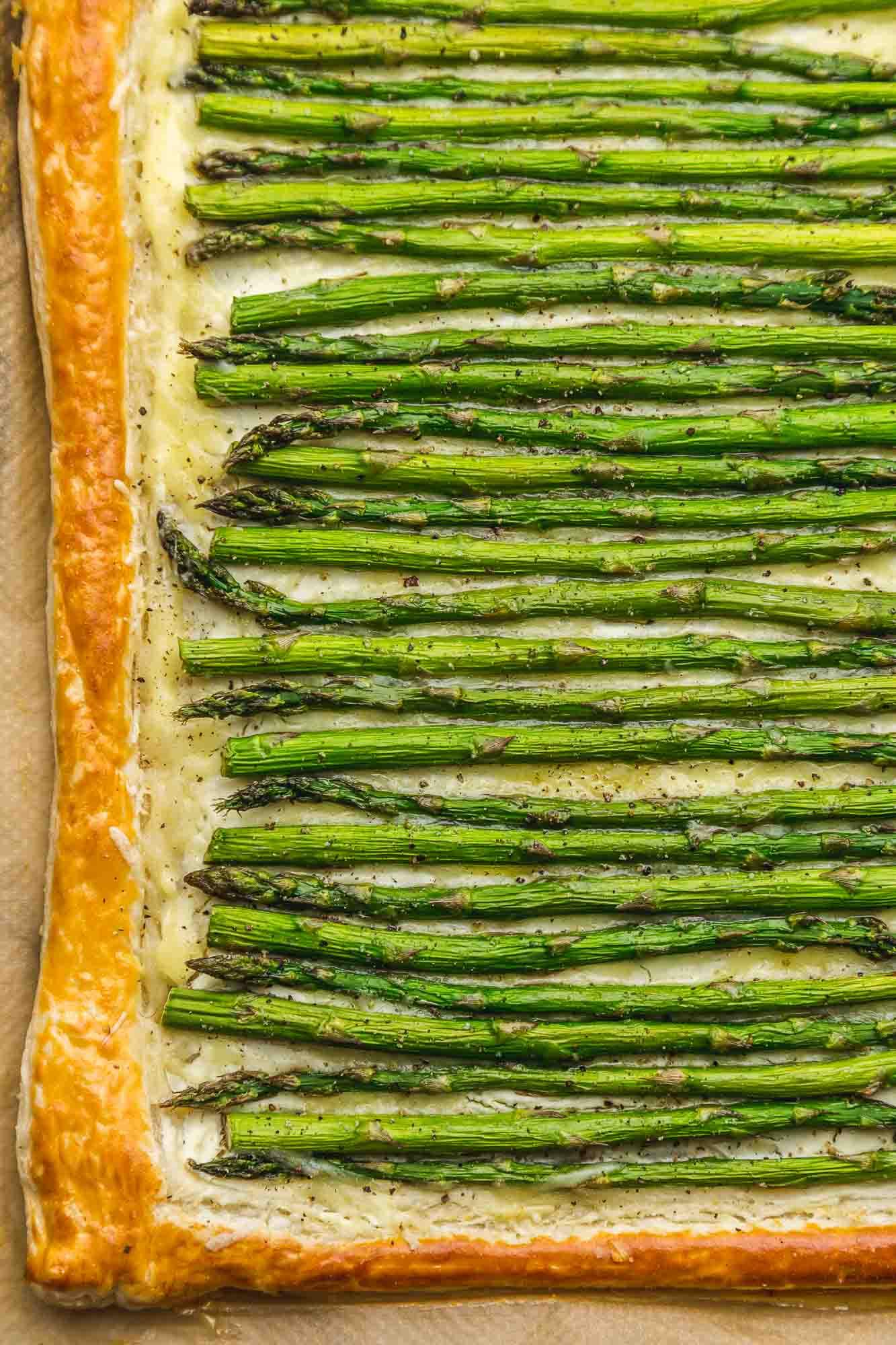 Whole asparagus tart, overhead shot.