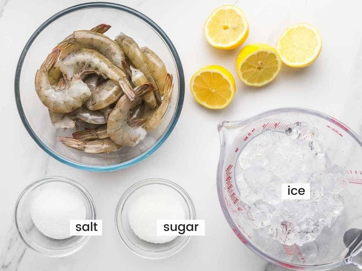 Ingredients needed for poaching shrimp