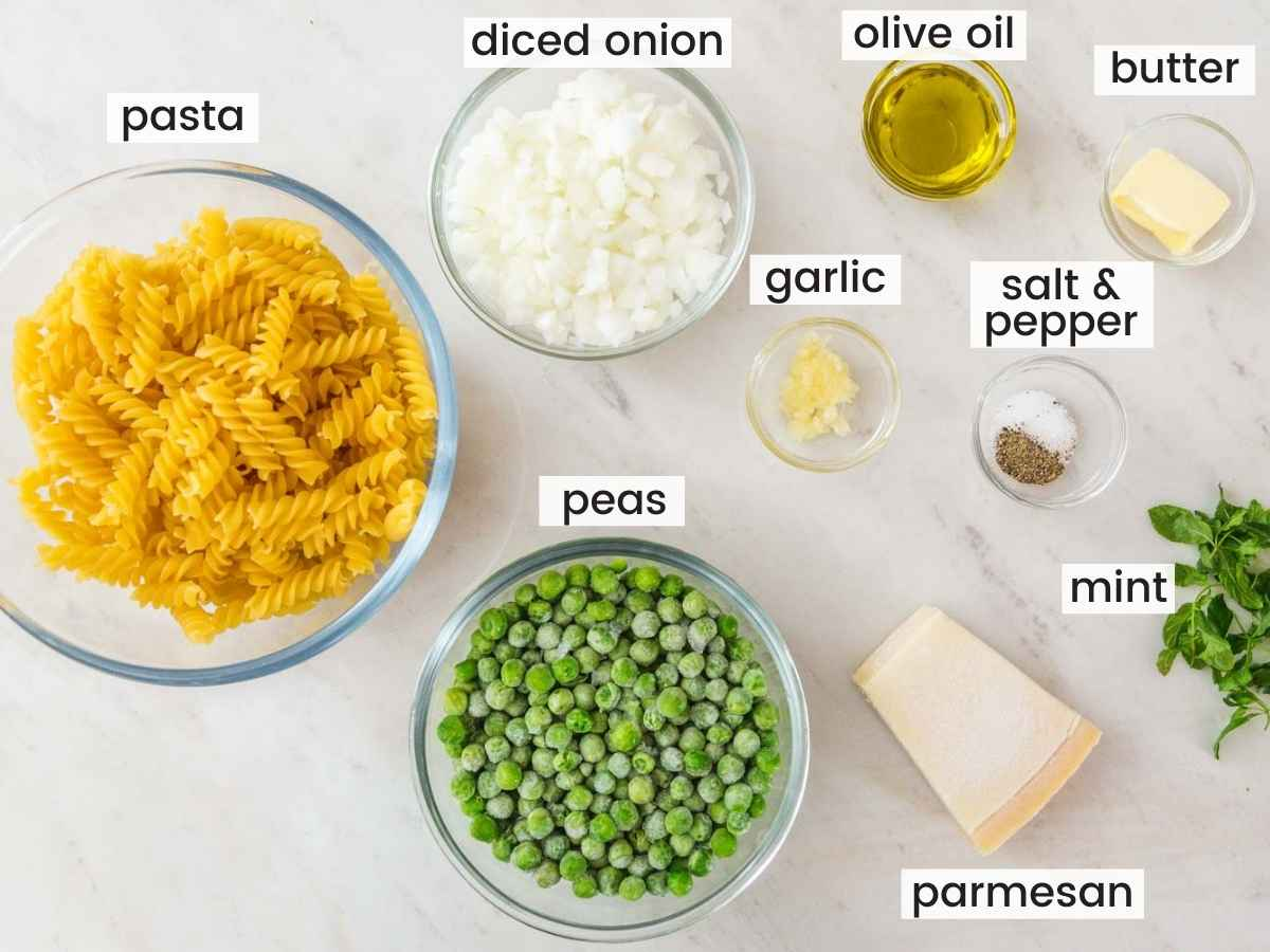 Ingredients needed to make pasta with peas