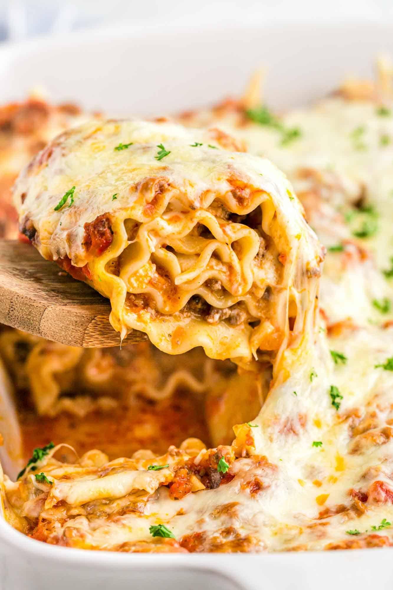 Warm and melty cheesy lasagna roll ups
