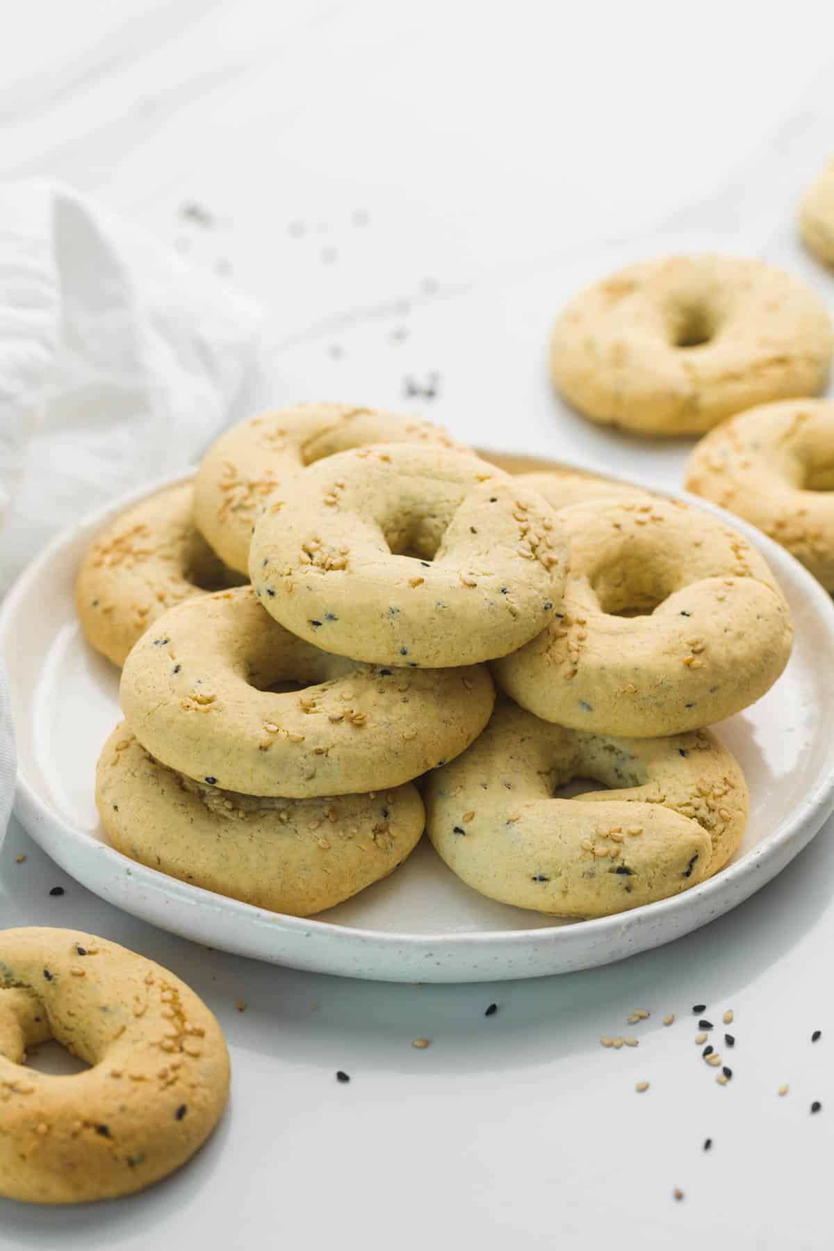 Aniseed cookies stacked in a white plate