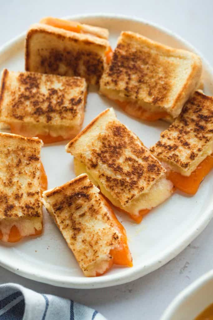 Grilled cheese sandwiches/croutons