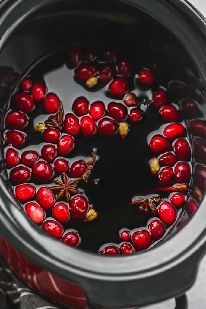 Cranberry mulled wine in a slow cooker