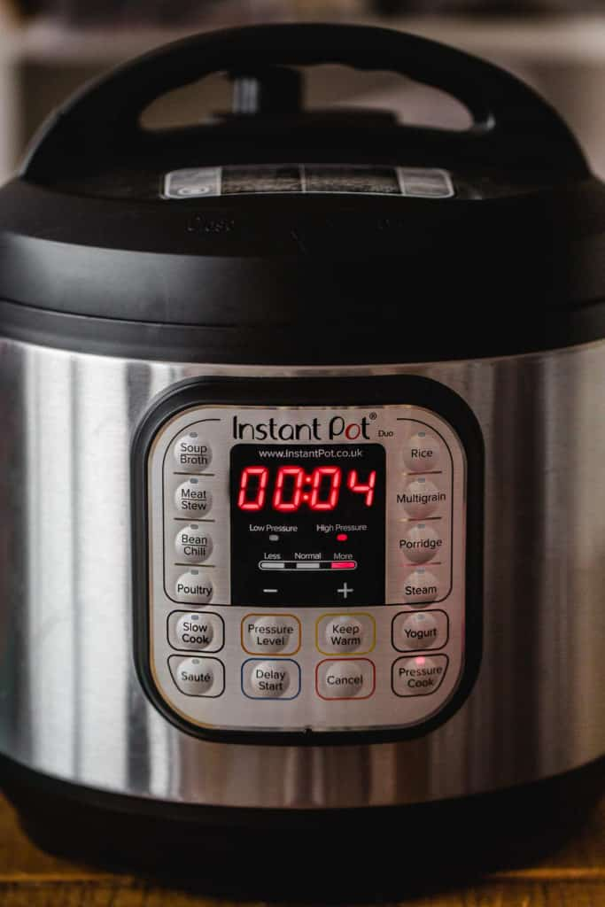 Instant Pot showing 4 minutes cooking time