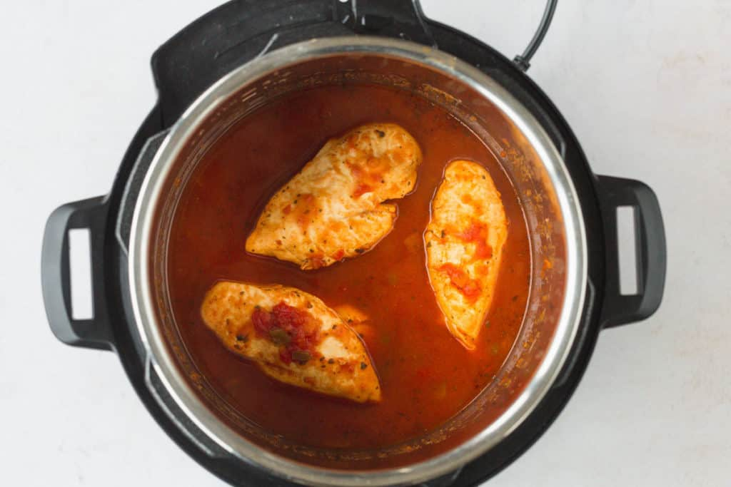 Cooked salsa chicken in the instant pot
